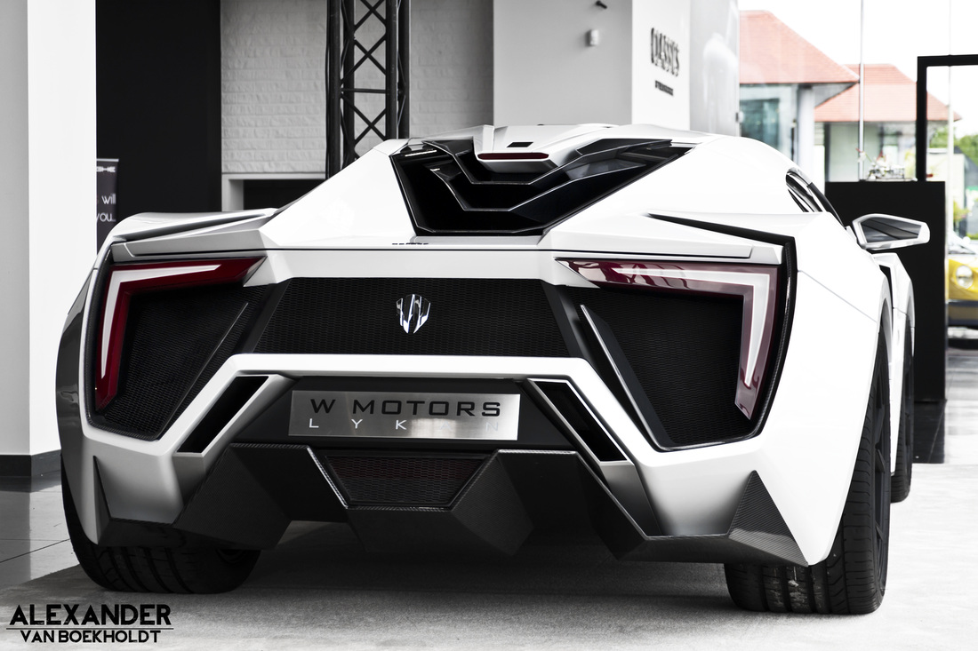 W Motors Lykan HyperSport 2014 4K wallpaper  8000x4923
